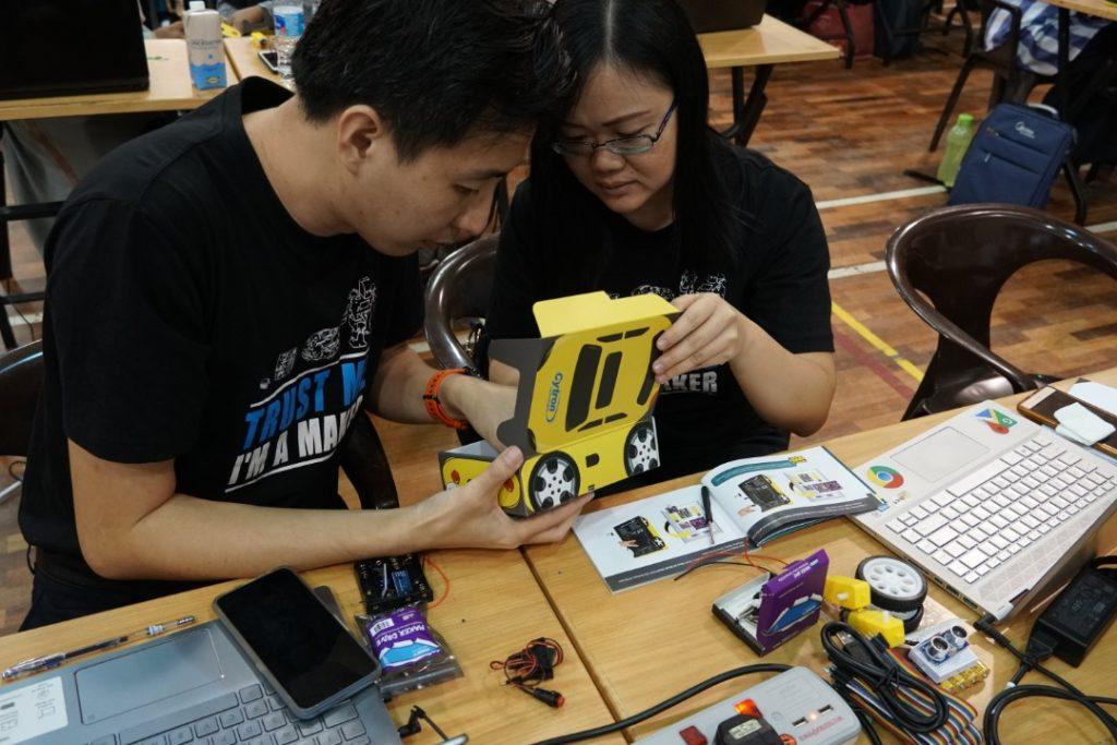 Admin sedang membina PikaBot
